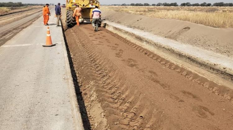 Continúan  los trabajos sobre la Ruta Provincial N°2