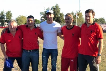 Lucas Alario presenció el partido por Copa Santa Fe