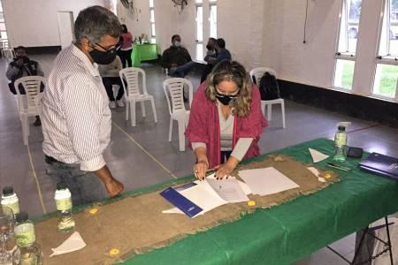 Firman convenios por el boleto educativo rural