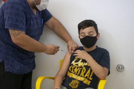 Coronavirus: La provincia inició la vacunación a menores de 3 a 11 años