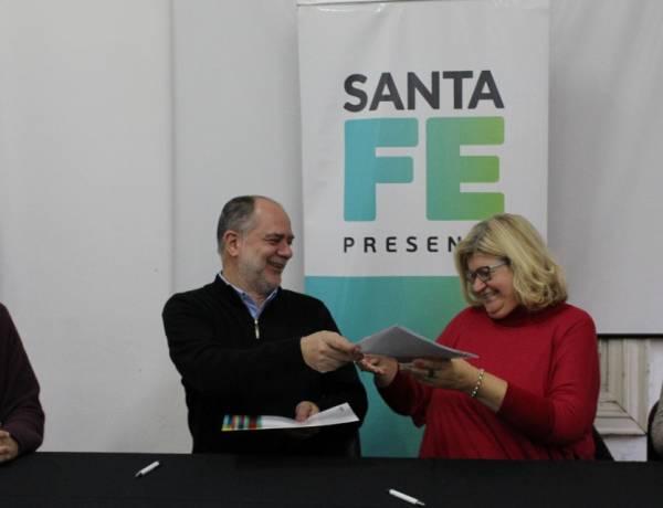 El gobierno de Santa Fe firmó convenio con FLACSO