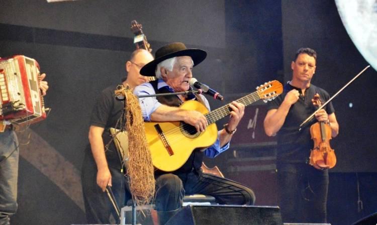Cosquín reconoció a Orlando Vera Cruz
